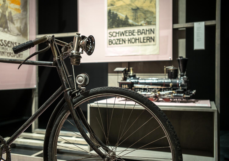 Front – Heimat, Exhibition